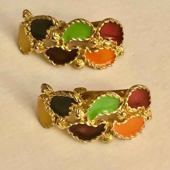Vintage Jewelry - 💕Host Pick💕 Multi color vintage clip on earrings